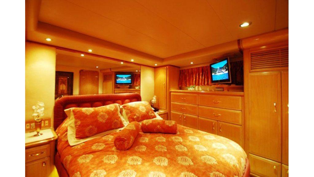 luxury-motoryacht-for-sale-16