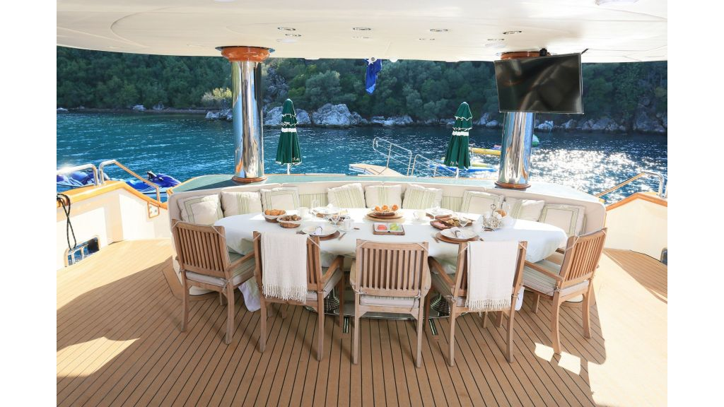 Luxury Motoryacht For Sale (24)