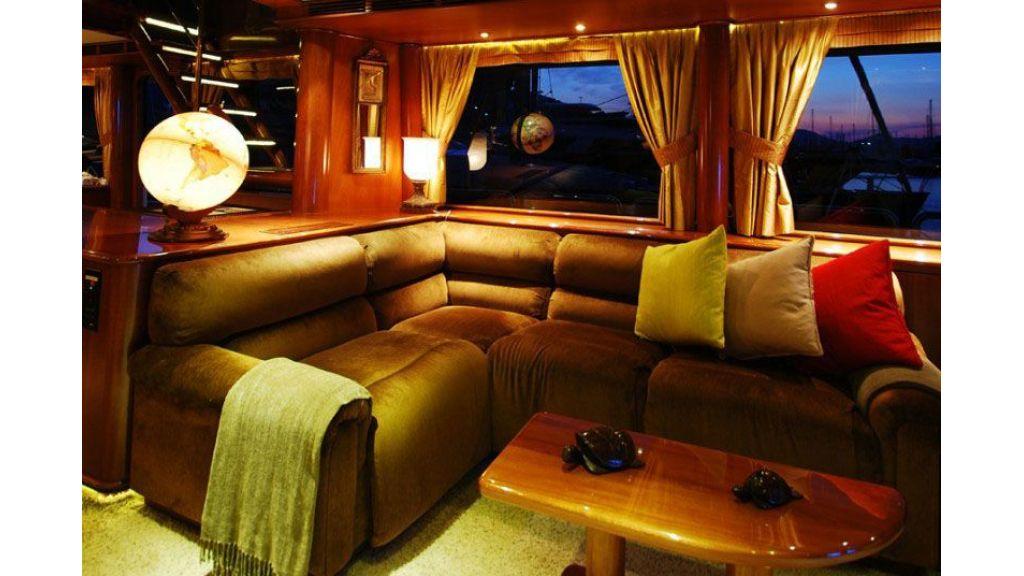 luxury-motoryacht-for-sale-27