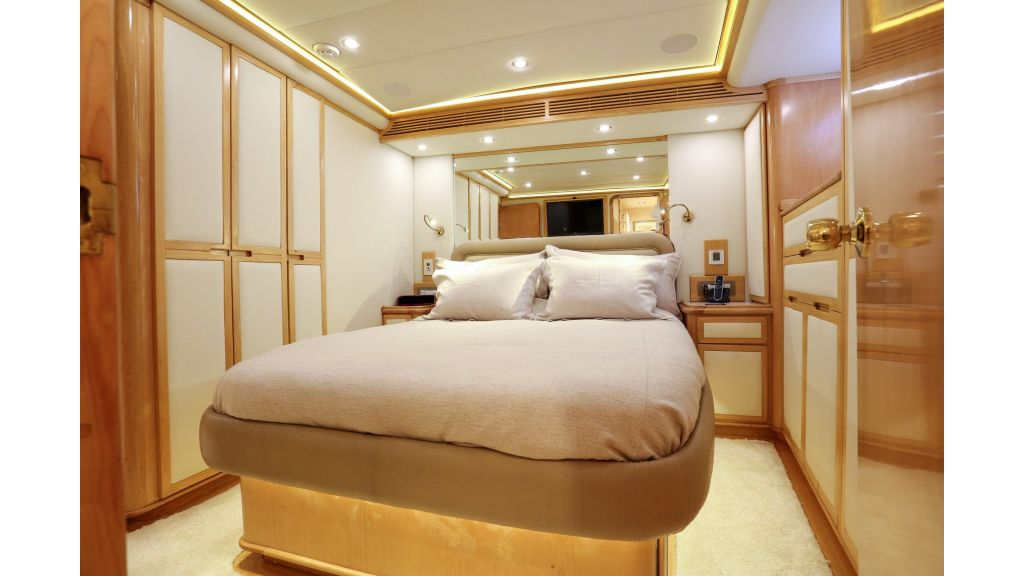Luxury Motoryacht For Sale (28)