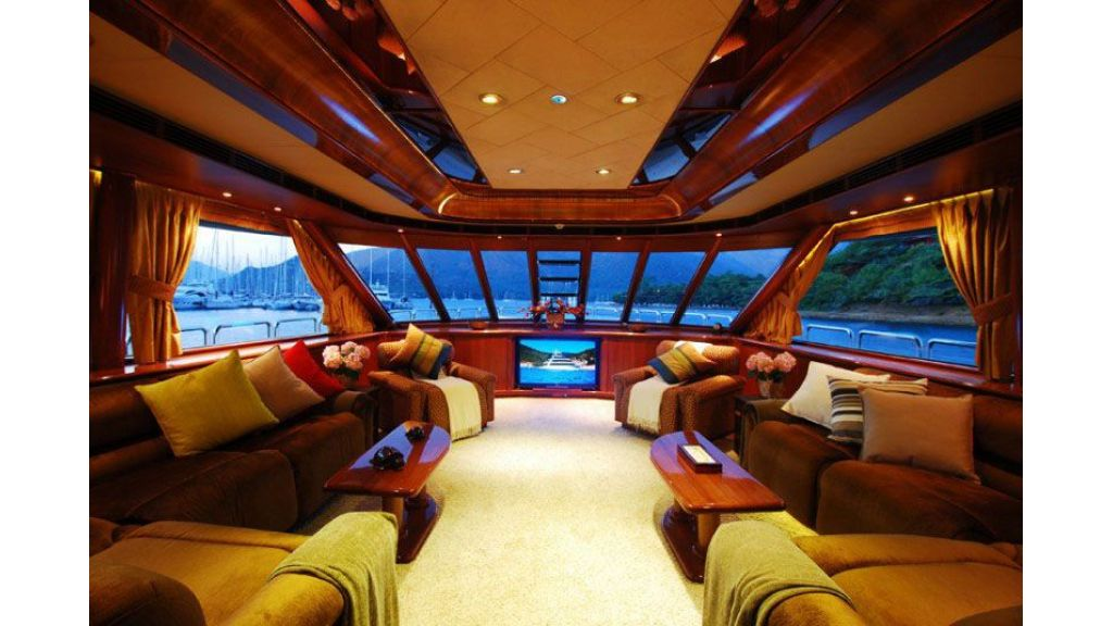 luxury-motoryacht-for-sale-28