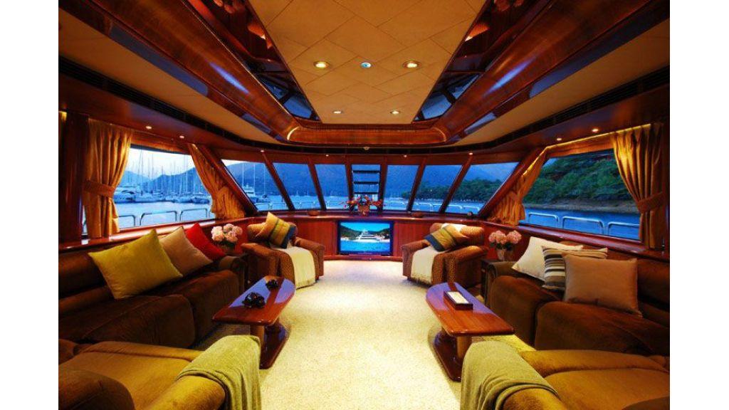 luxury-motoryacht-for-sale-28