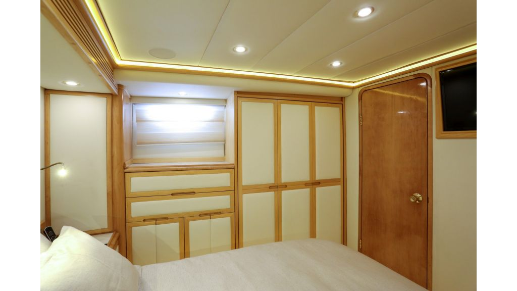 Luxury Motoryacht For Sale (30)
