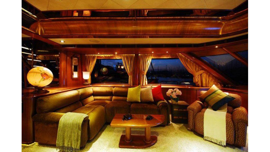 luxury-motoryacht-for-sale-30