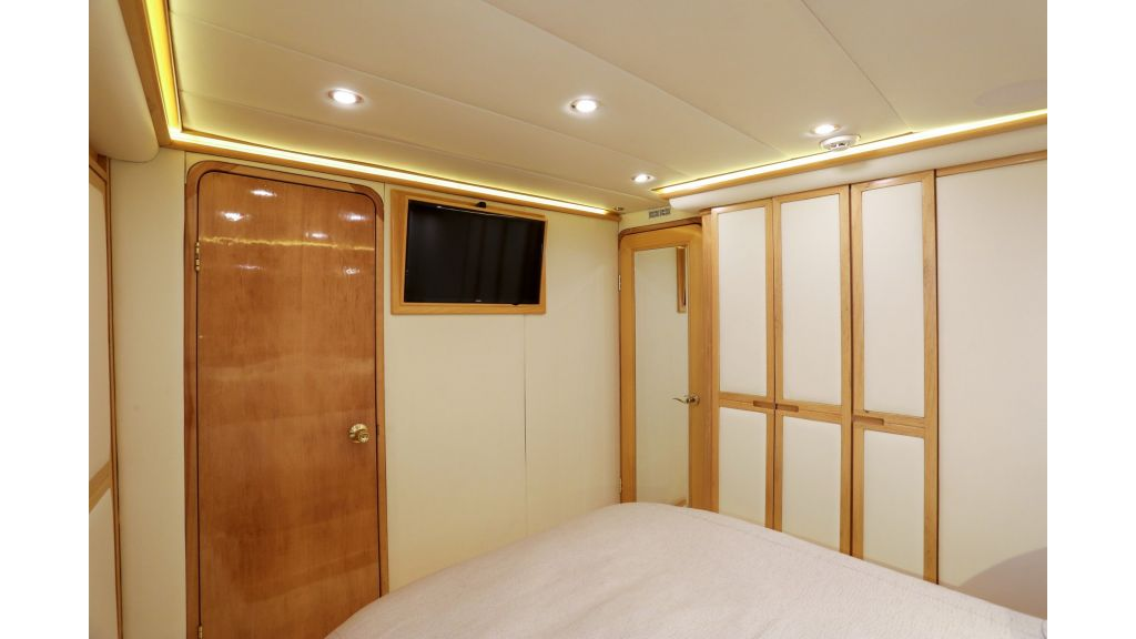 Luxury Motoryacht For Sale (31)