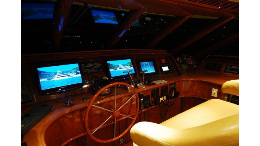 luxury-motoryacht-for-sale-34