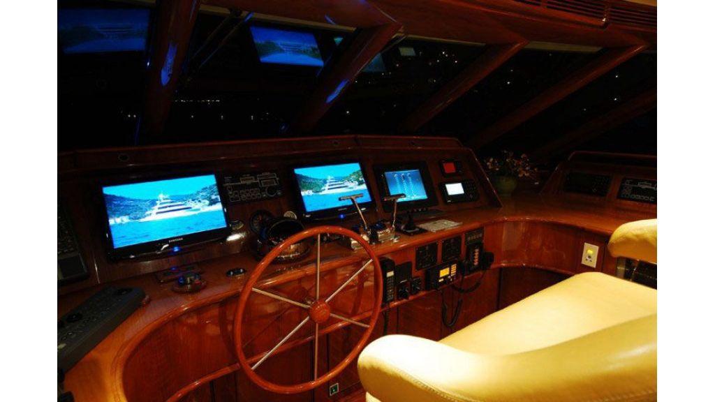 luxury-motoryacht-for-sale-34