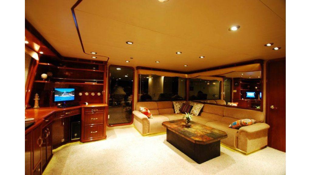 luxury-motoryacht-for-sale-35
