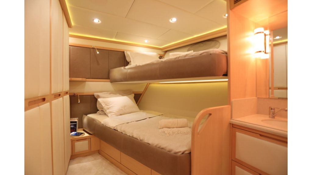 Luxury Motoryacht For Sale (4)