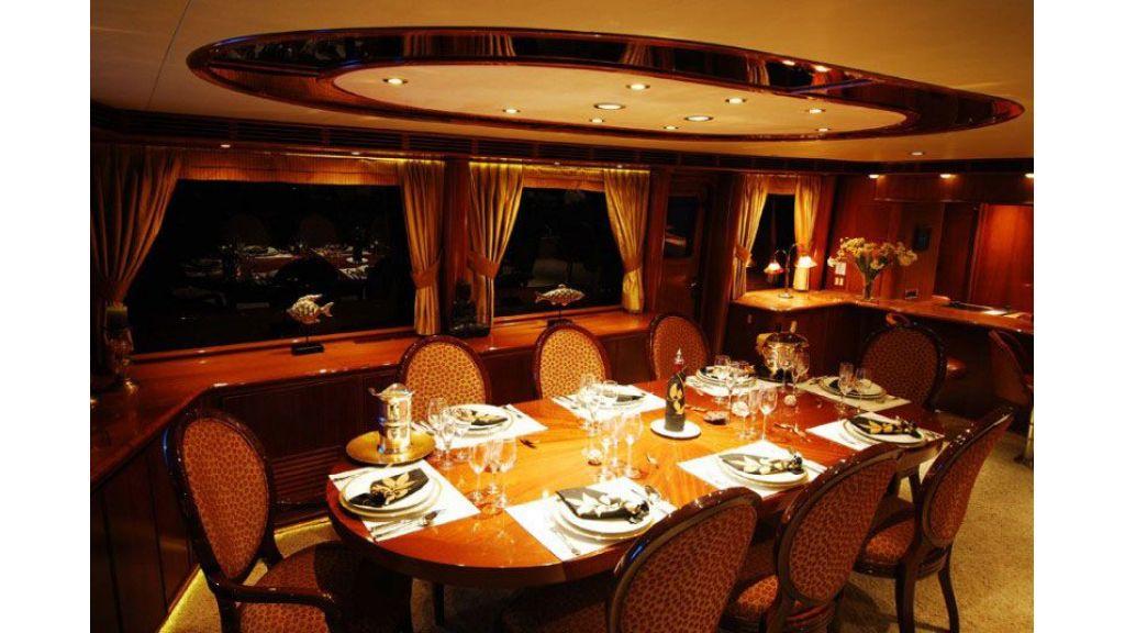 luxury-motoryacht-for-sale-41