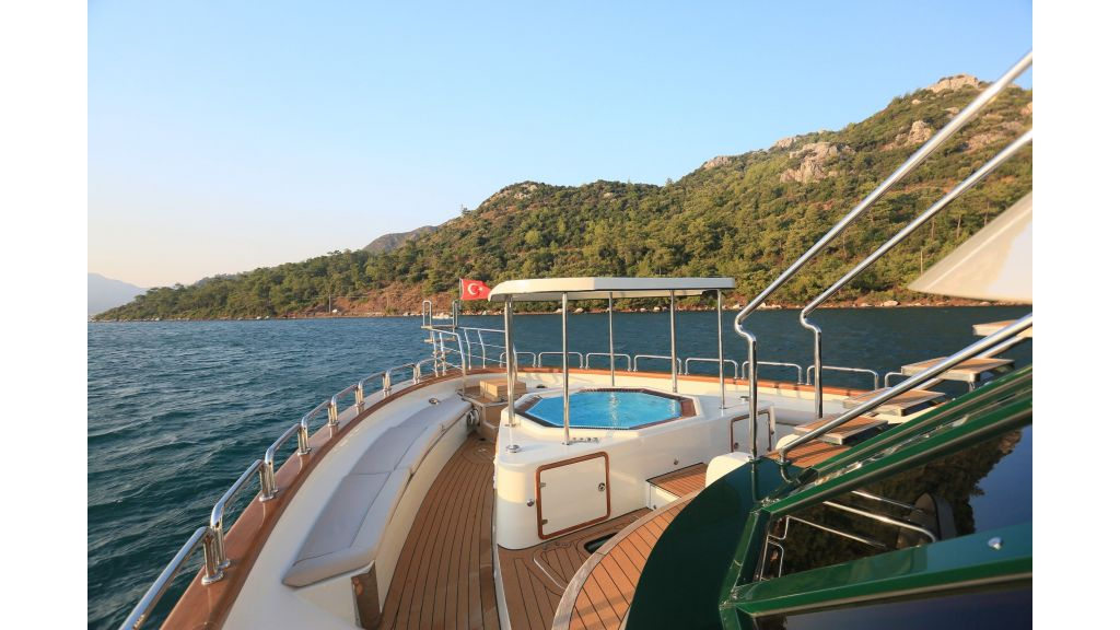 Luxury Motoryacht For Sale (43)