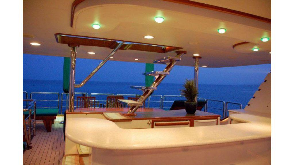 luxury-motoryacht-for-sale-5