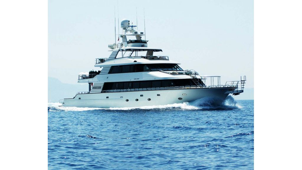 luxury-motoryacht-for-sale-55