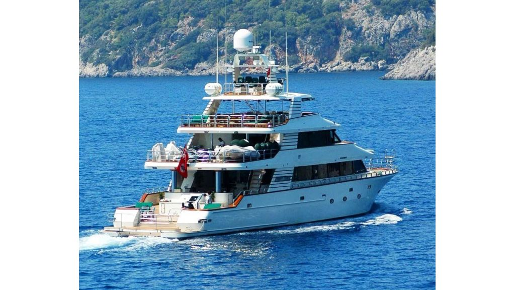 luxury-motoryacht-for-sale-56