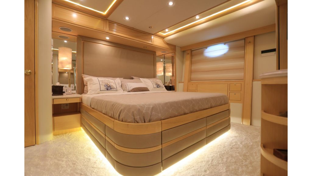 Luxury Motoryacht For Sale (58)