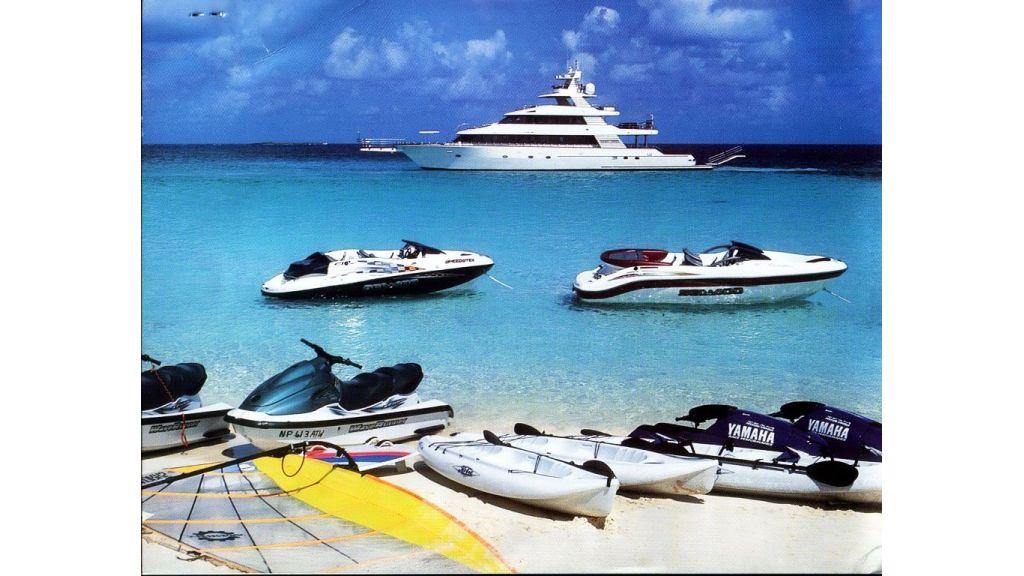 luxury-motoryacht-for-sale-60