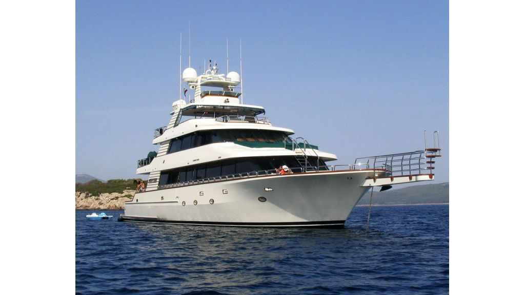 luxury-motoryacht-for-sale-64