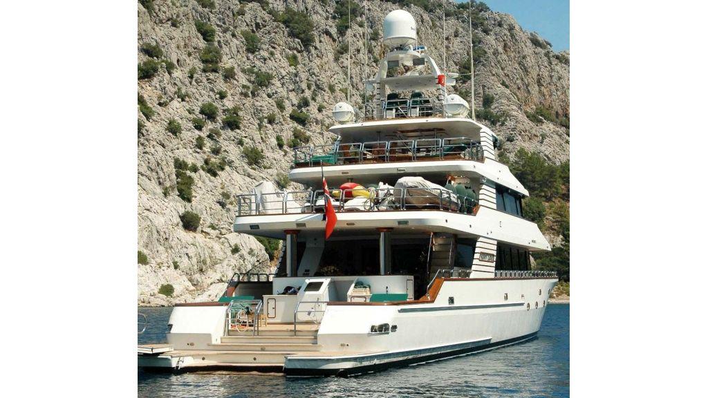luxury-motoryacht-for-sale-67