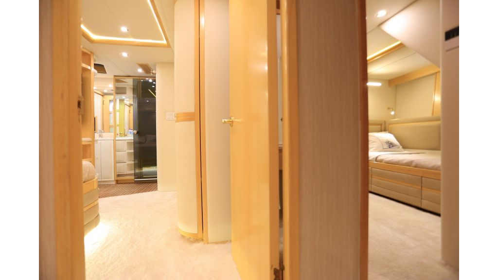 Luxury Motoryacht For Sale (68)