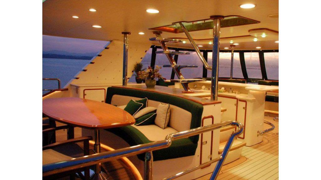 luxury-motoryacht-for-sale-7