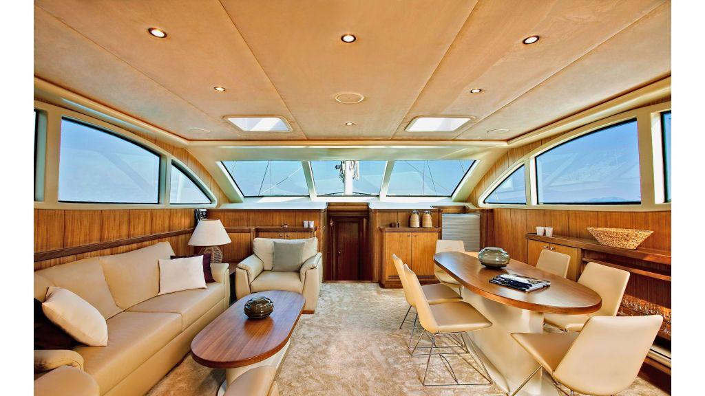miss-b-Luxury-yacht-master