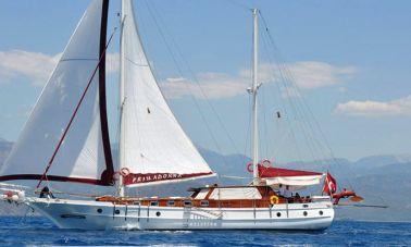 Primadonna - Turkish classical charter gulet-master