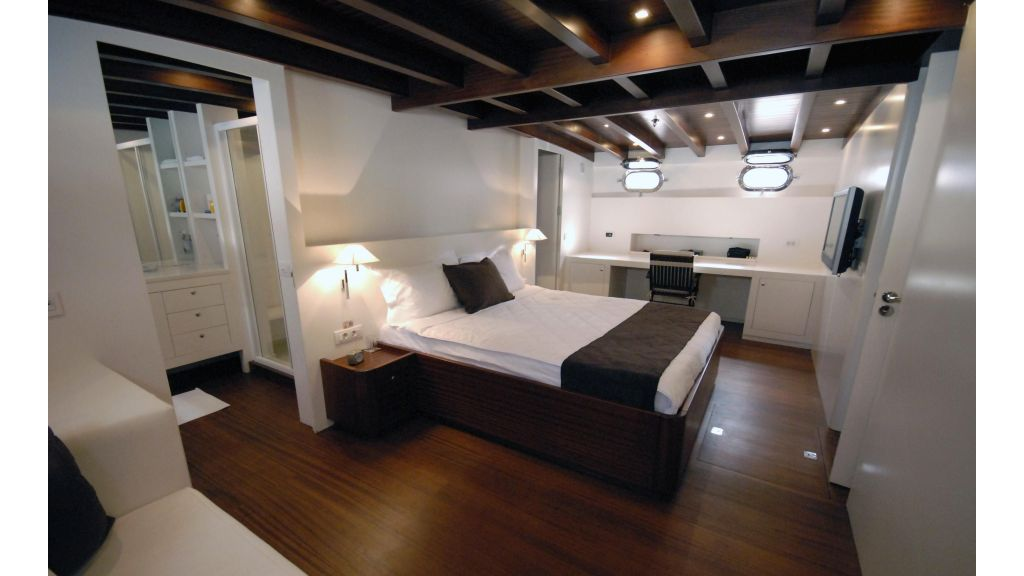 White Soul Luxury master cabin master