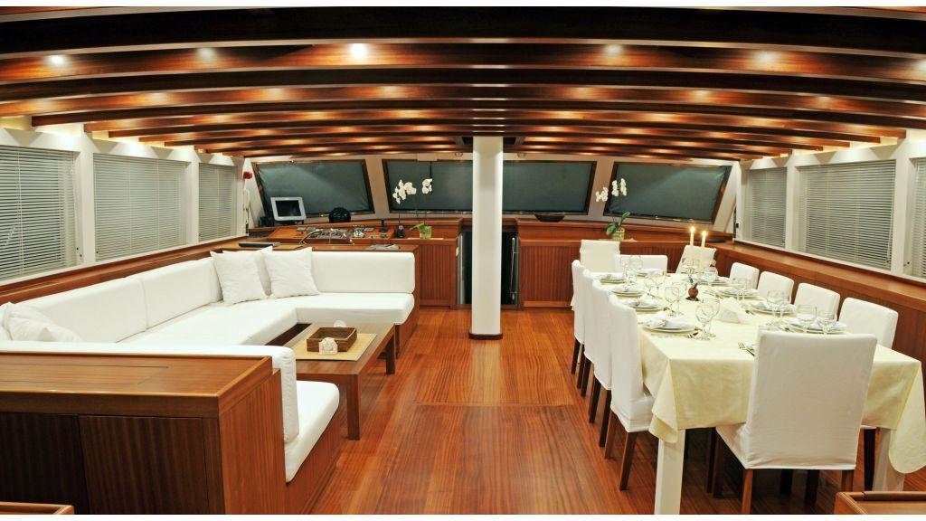 White Soul Luxury Yacht master