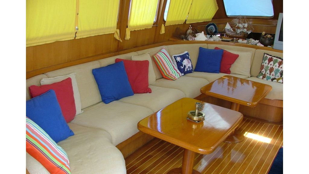 1288970418_sailing_yacht_acanthus__10