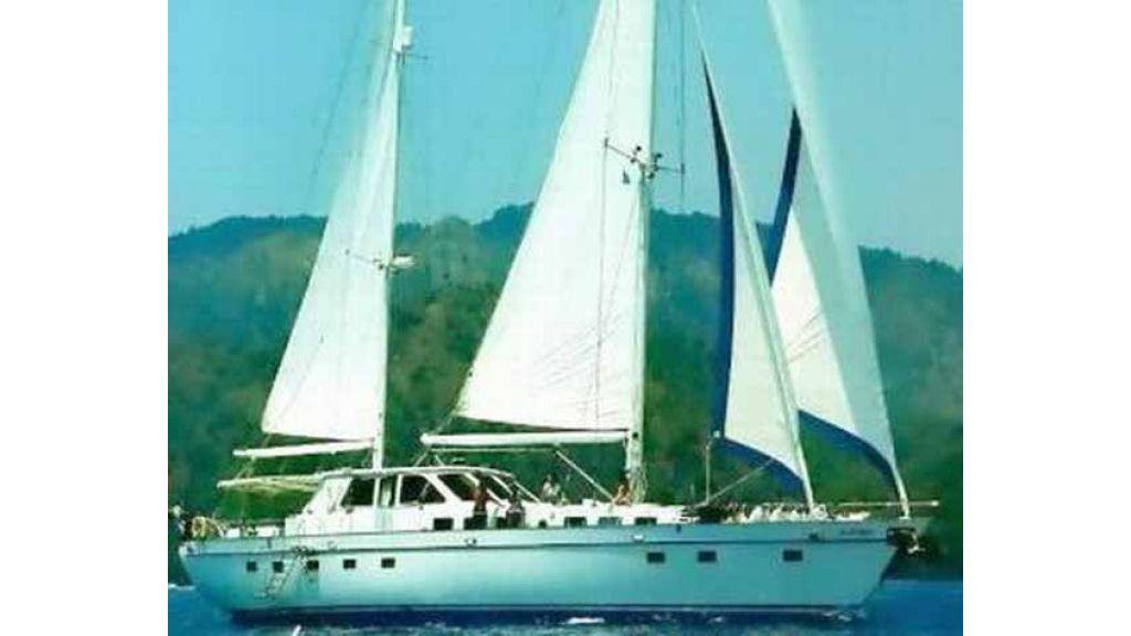 1288970457_sailing_yacht_acanthus__3