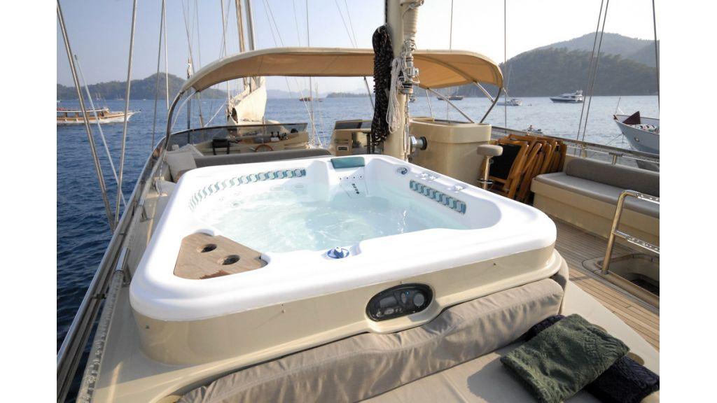 1288973586_sailing_yacht_suheyla_sultan_1