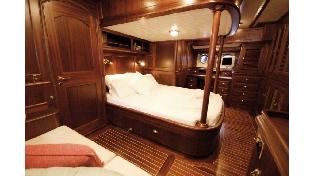 Sailing_yacht_ilios (10)