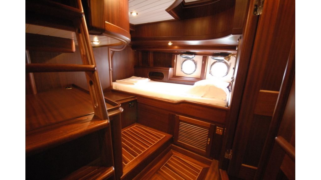 Sailing_yacht_ilios (6)