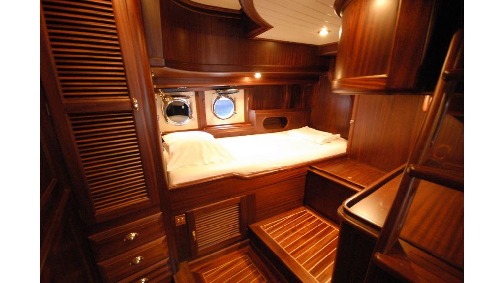 Sailing_yacht_ilios (7)