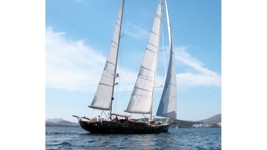 sailing_yacht_ilios