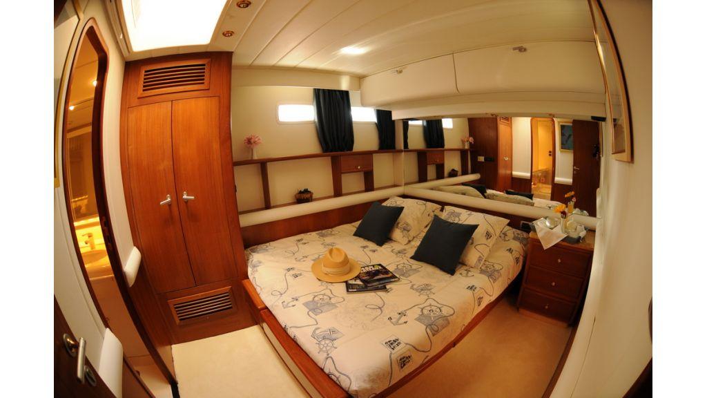 1289121151_sailing_yacht_taronga__7
