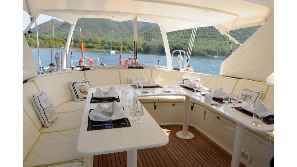 1289121657_sailing_yacht_taronga__3
