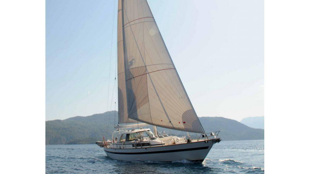1289121718_sailing_yacht_taronga__2