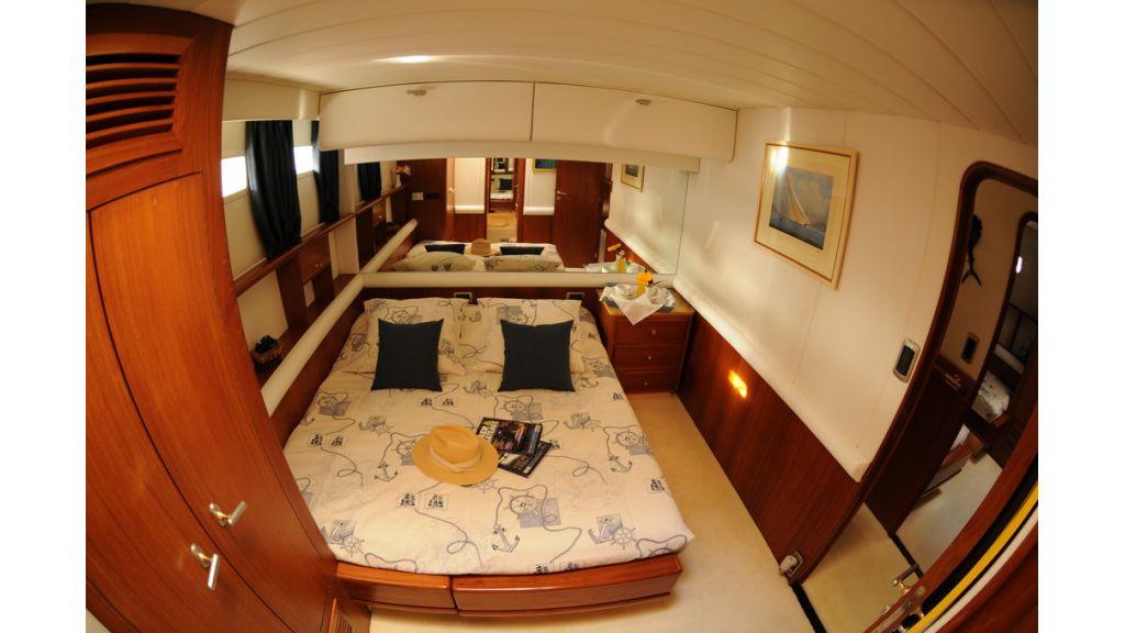 1289121763_sailing_yacht_taronga__9