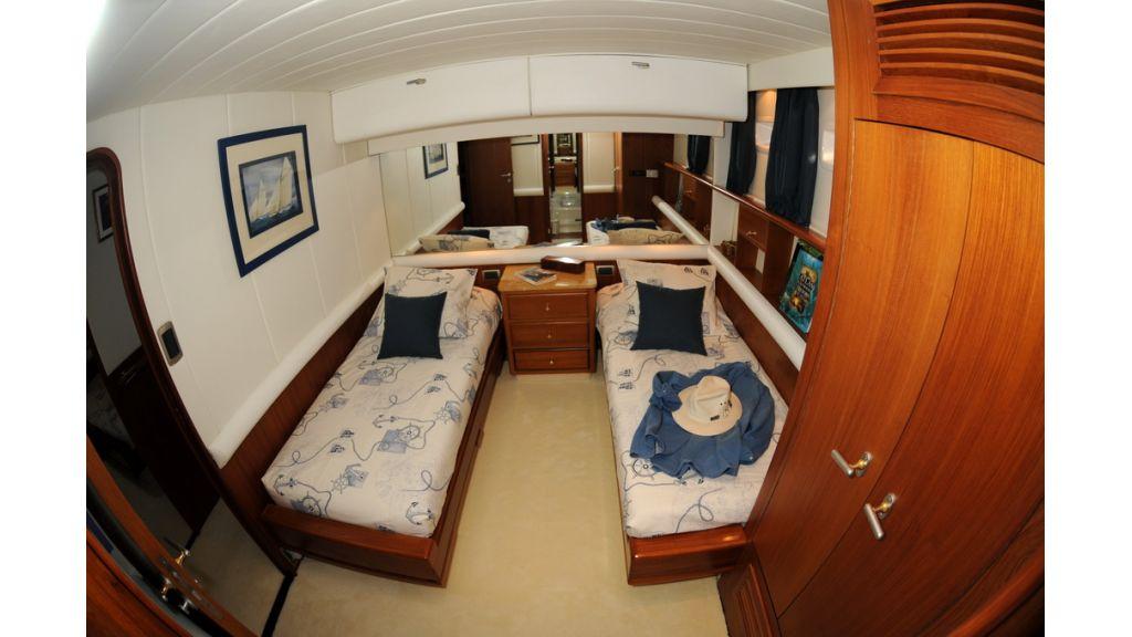 1289121773_sailing_yacht_taronga__11