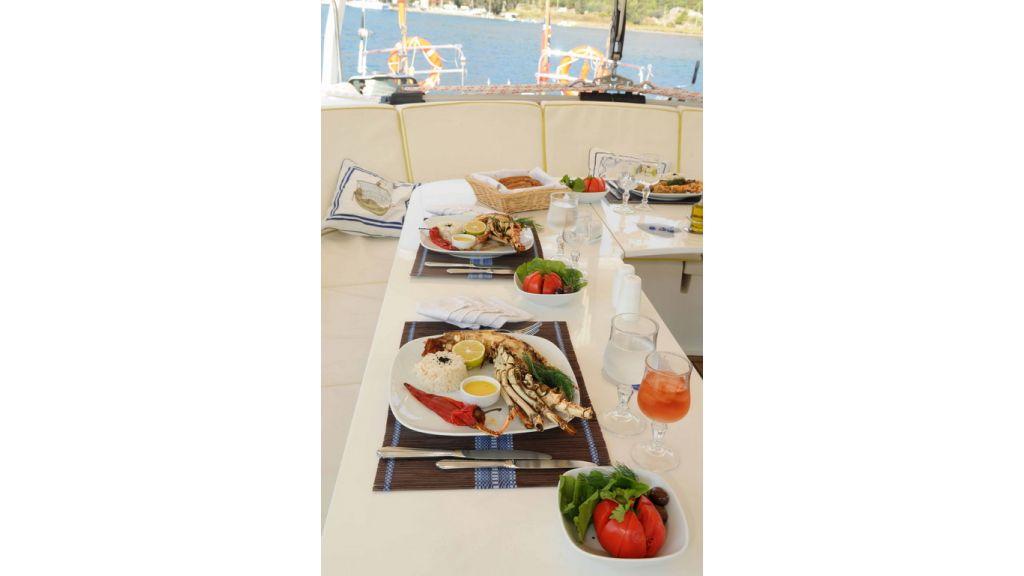 1289121798_sailing_yacht_taronga__4