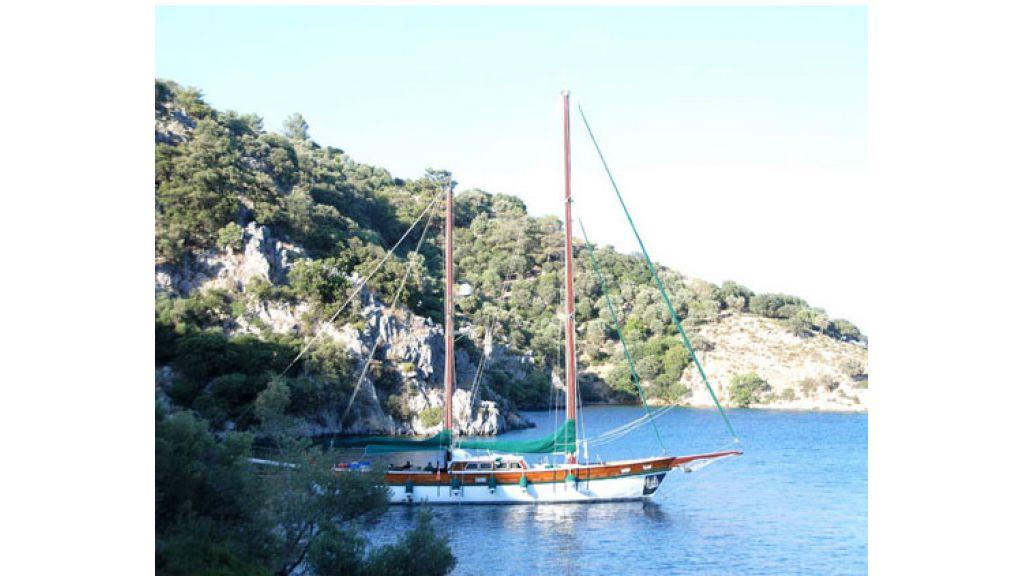 1289659463_sailing_yachts_vangole_13