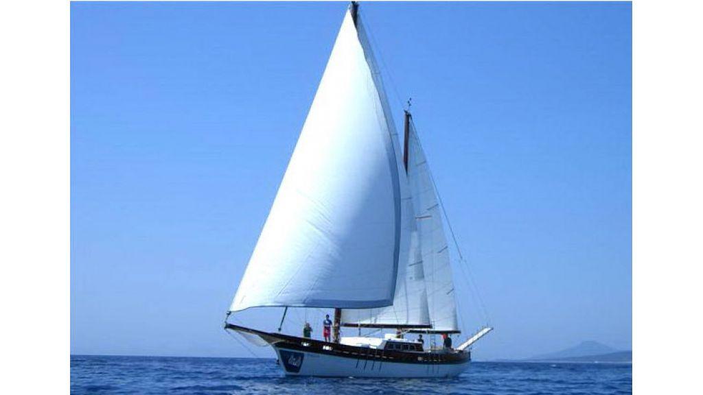 1289659484_sailing_yachts_vangole_14