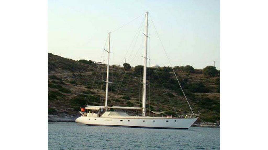 1289796608_sailing_yacht_angelo_1_19