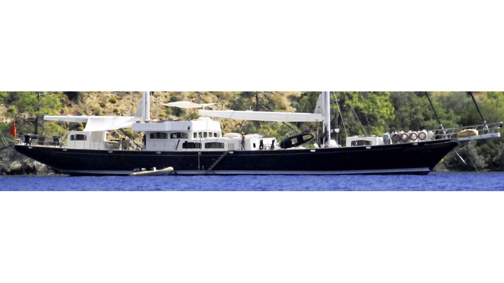 1290358587_sailing_yacht_for_sale__26