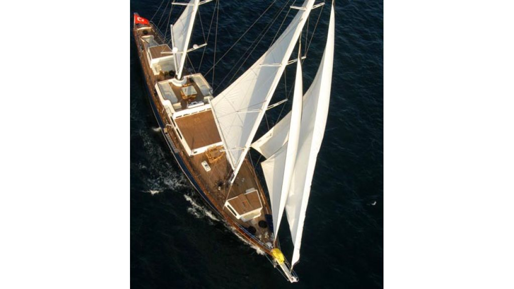 1290358638_sailing_yacht_for_sale__42