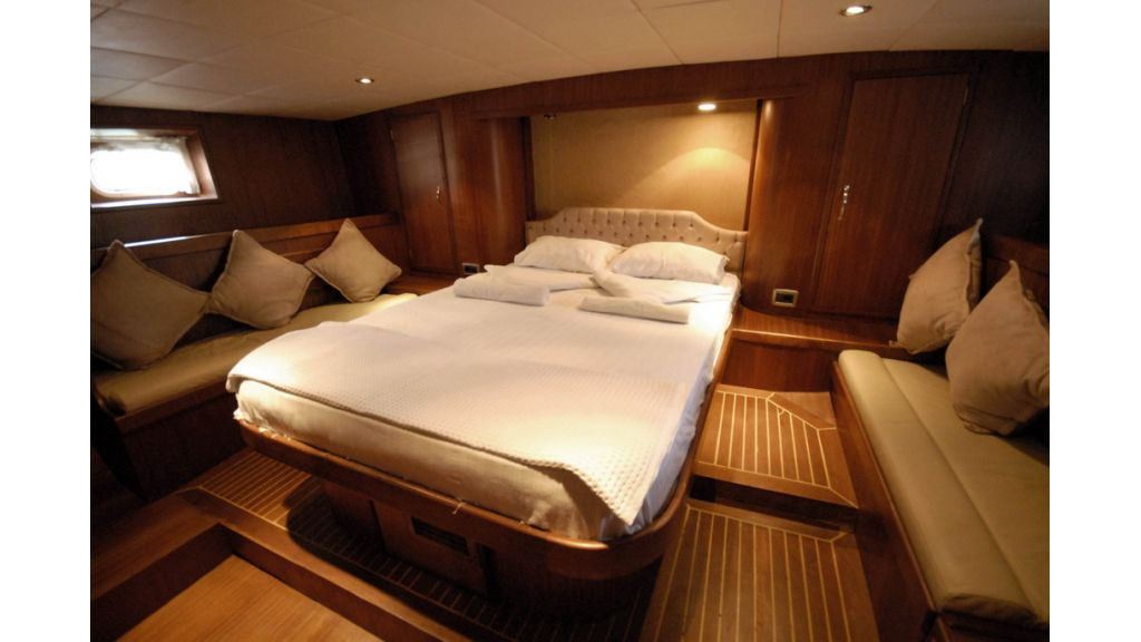 1290362059_sailing_yacht_1