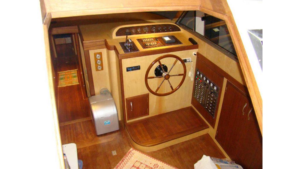 1290362066_sailing_yacht_16