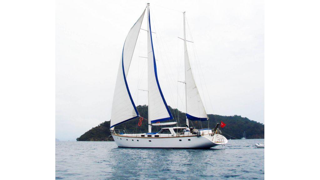 1290362209_sailing_yacht_24