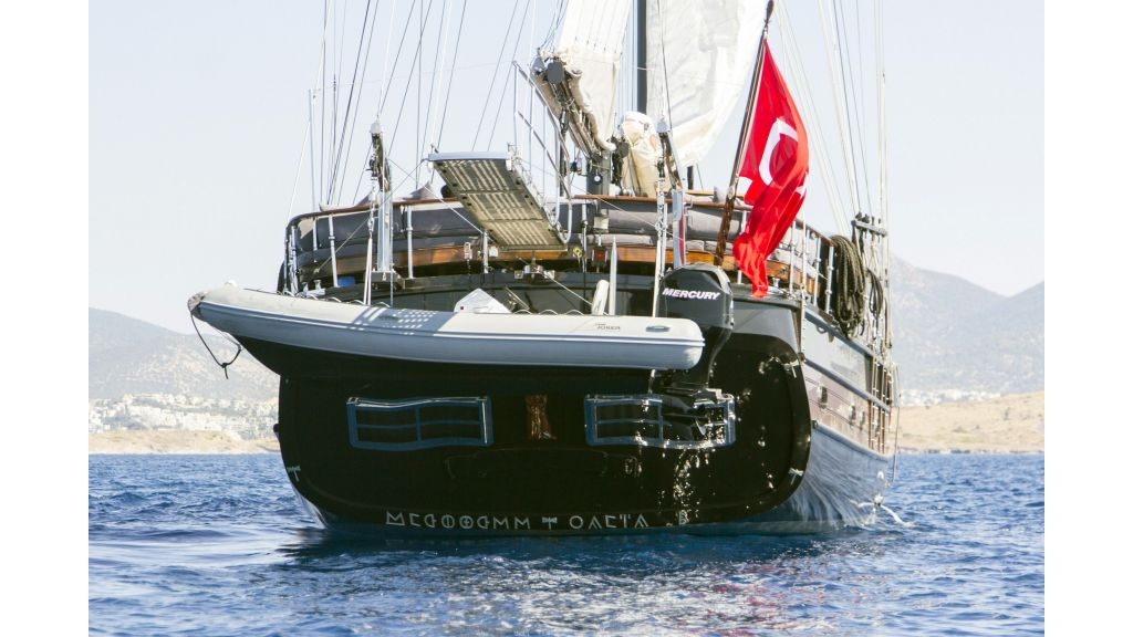 34 meters charter yacht (83)
